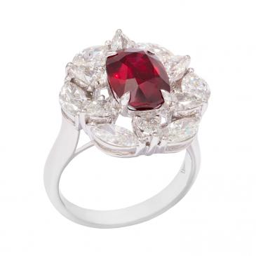NATURAL RUBY & DIAMOND RING