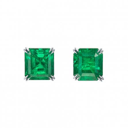 Natural Emerald Earstuds