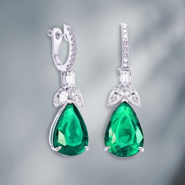 NATURAL EMERLAD & DIAMOND EARRINGS