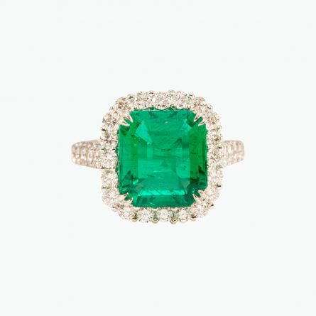 Natural emerald and diamond ring